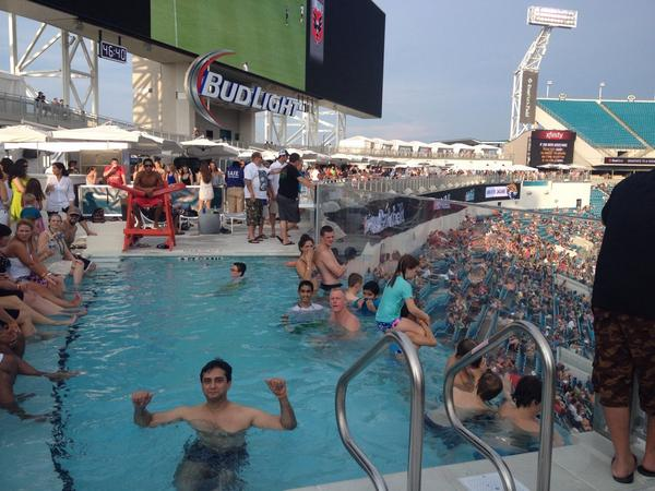 Swimming Pool Added to Jacksonville Jaguars Stadium
