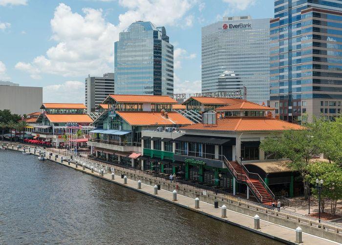 The_Jacksonville_Landing,_Jacksonville_FL,_Southeast_view_20160706_1.jpg